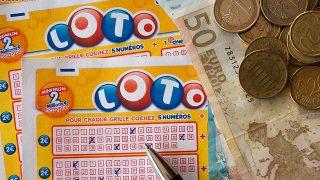 今年の年末ジャンボで1億円以上が当たる確率(*2014年記事)