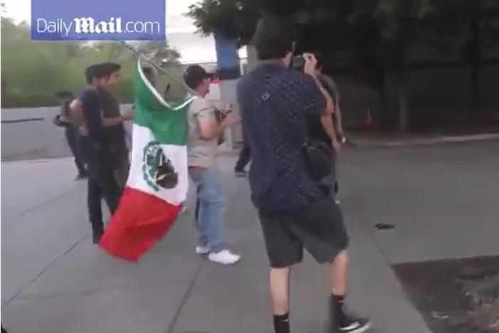 White Trump Supporter gets savagely Sucker Punched to the ground by Mexicans at San Jose Trump Rallyより