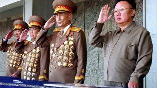 日本の軍歌を歌う金正日と朝鮮人民軍首脳たち
