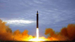 北朝鮮の秘密軍需工場と人間魚雷